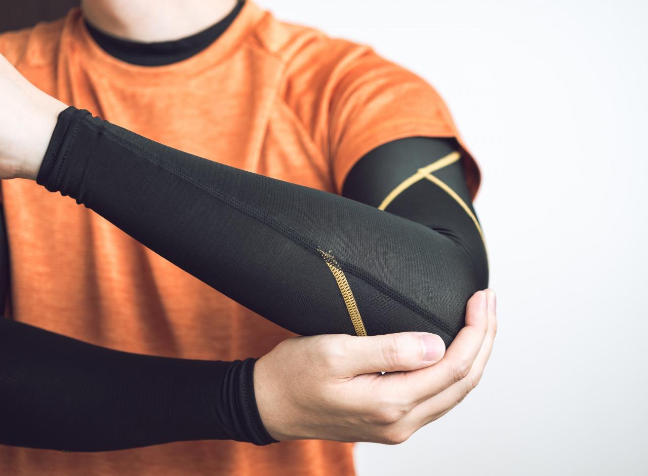半蔵門の整体院「ほぐすん」がゴルフ肘の症状を説明