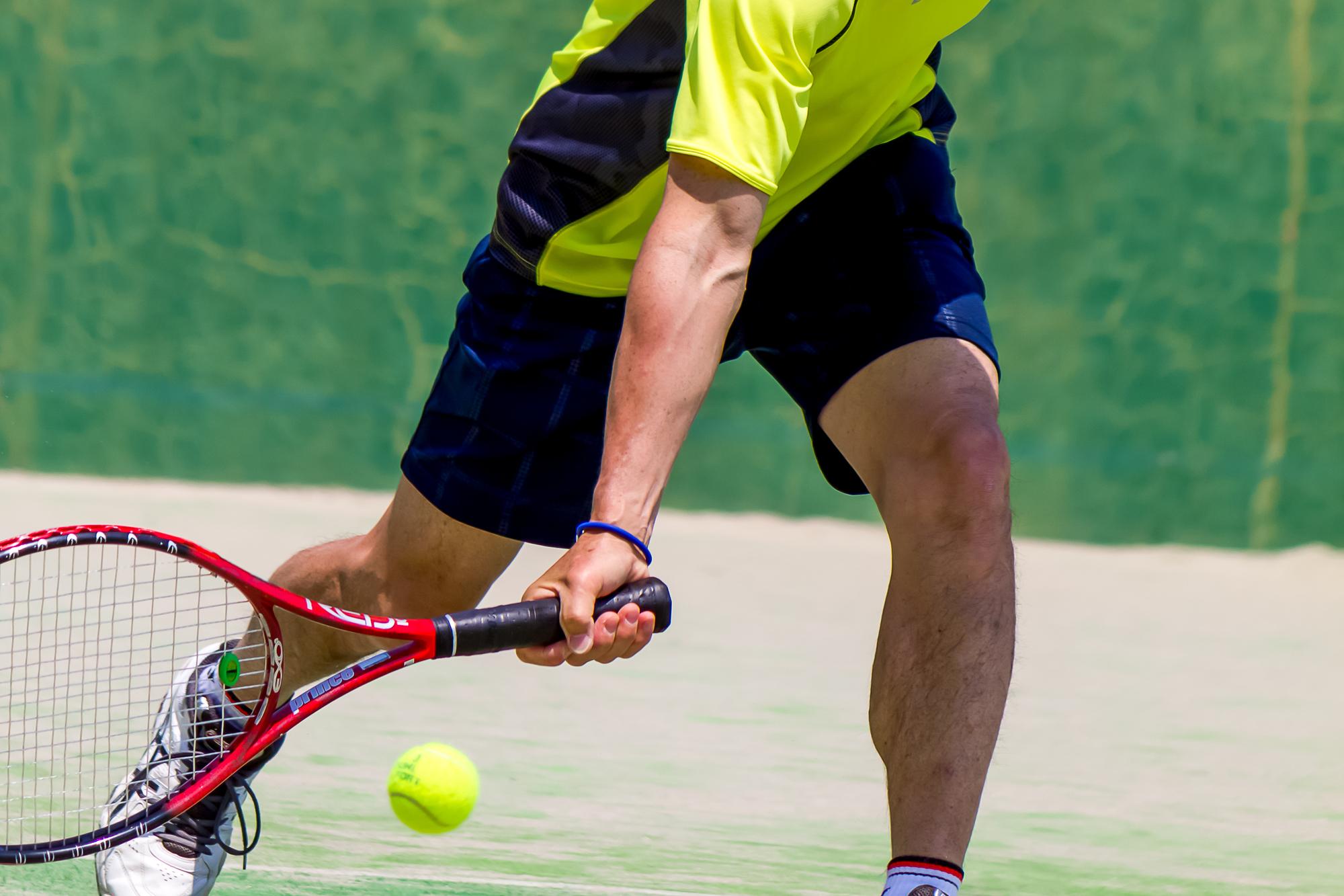 半蔵門の整体院「ほぐすん」ではテニス肘の原因を究明