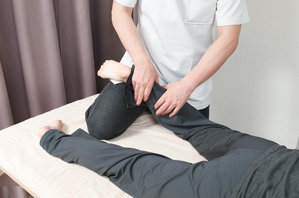 半蔵門の整体院「ほぐすん」がおこなう足首捻挫の施術