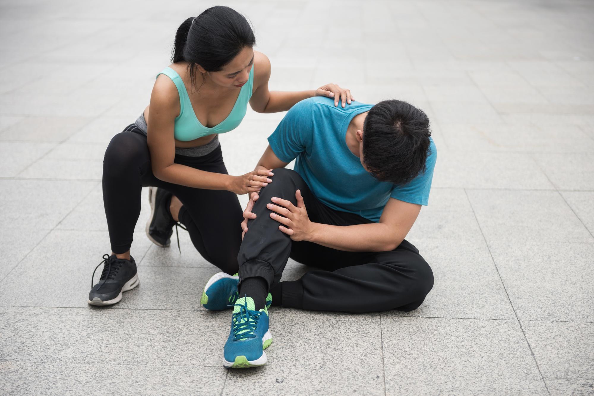 半蔵門の整体院「ほぐすん」では足首捻挫の原因を究明